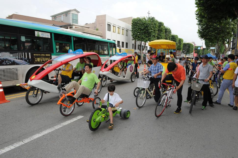 Suwon City's Car-free roads