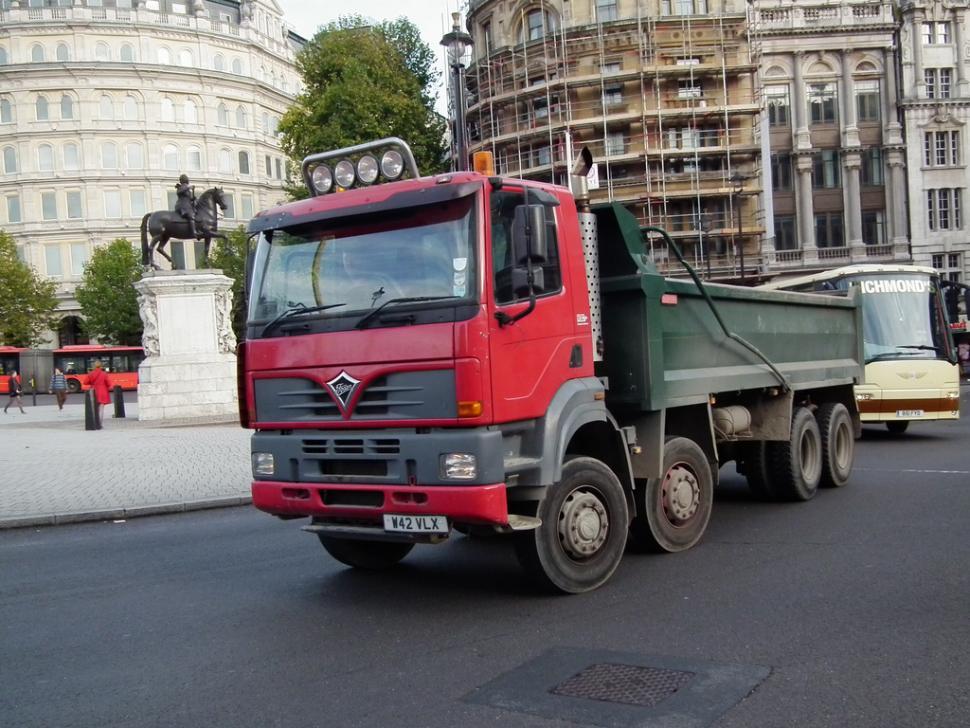 Tipper truck (CC licensed by kenjonbro)
