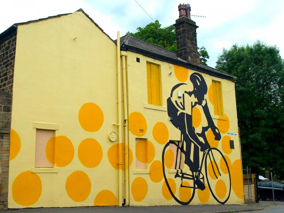 Tour de France Mural by Prince Henry's Grammar School students (CC BY-NC 2.0 licensed by Paul Watson:Flickr)