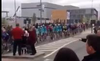 Tour of Flanders - traffic island.png