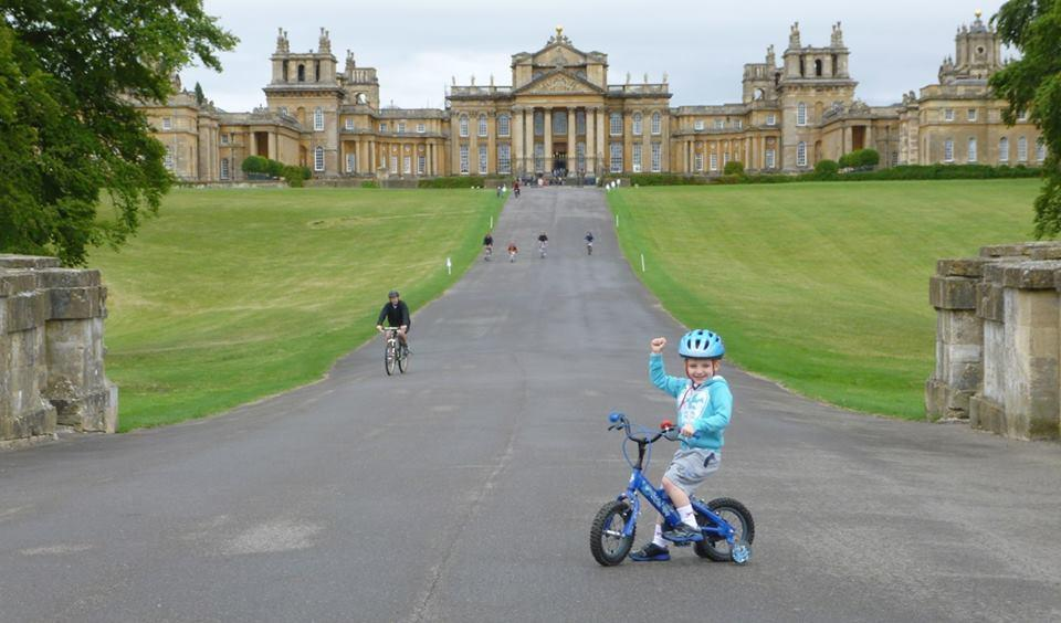Tri-Baby_William_at_Blenheim_Palace_(picture_-_Back_the_Tri-Baby_on_Facebook)