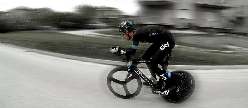 Pinarello Bolide - Brad riding blur