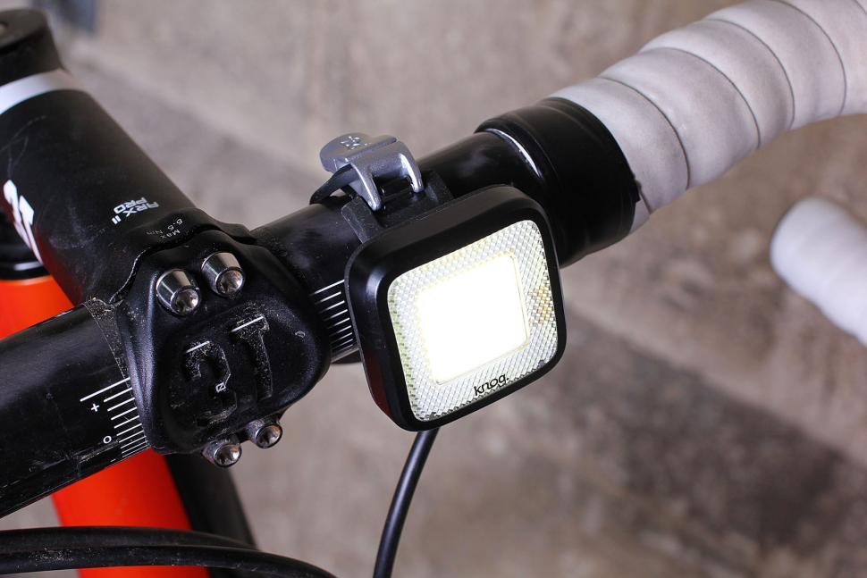 review knog blinder mob mr chips front light. Black Bedroom Furniture Sets. Home Design Ideas