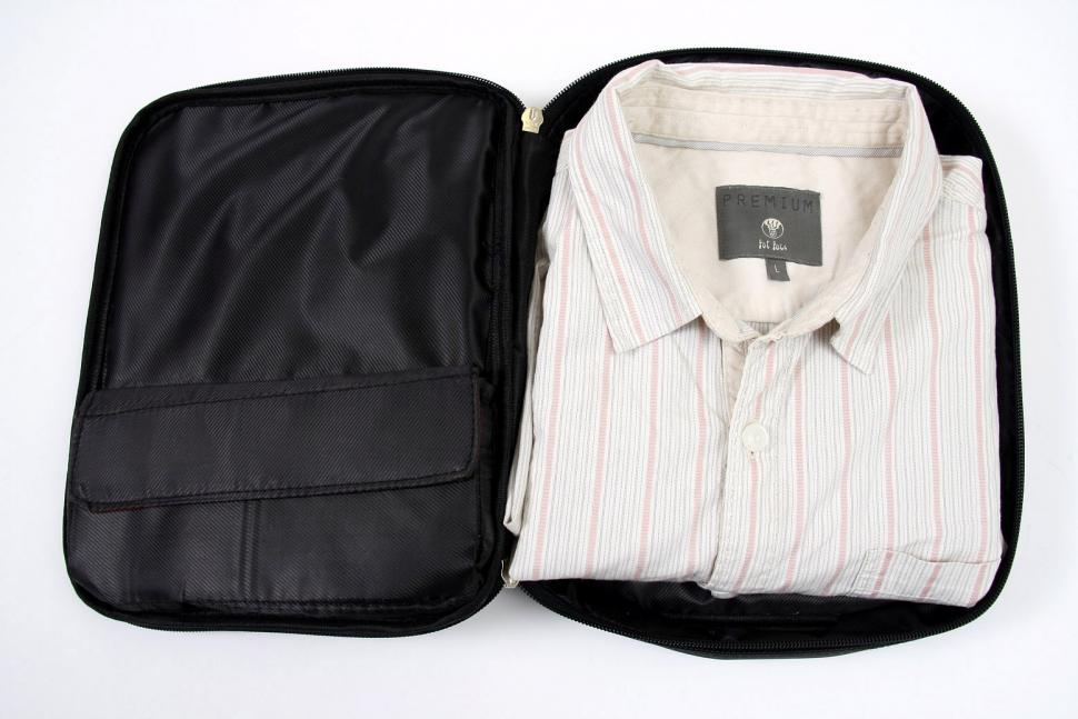 One Luggage Practical Shirt Carrier - open2