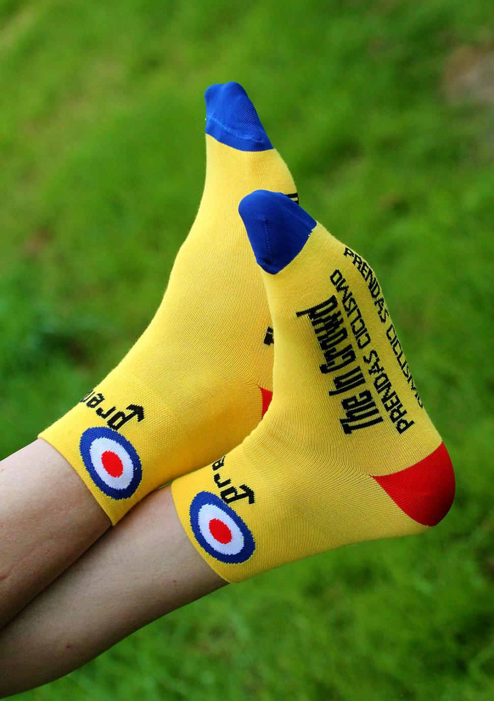 Prendas Ciclismo Yellow Mod In The Crowd socks
