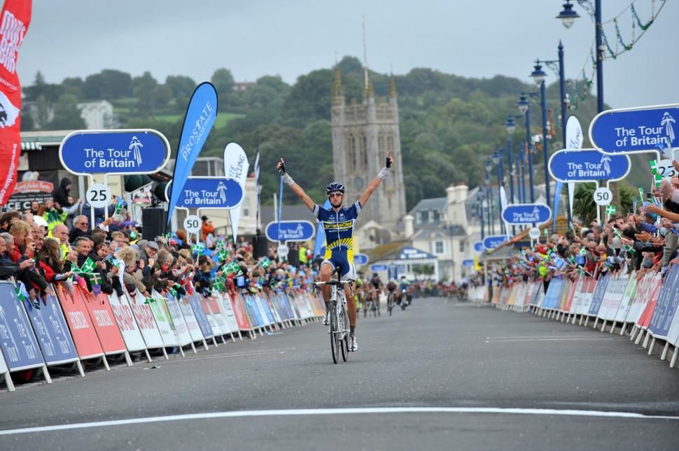 Wout Poels wins in Teignmouth