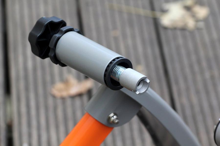 Cascade Fluid Pro Quick Connect Bike Trainer - fixing detail 2