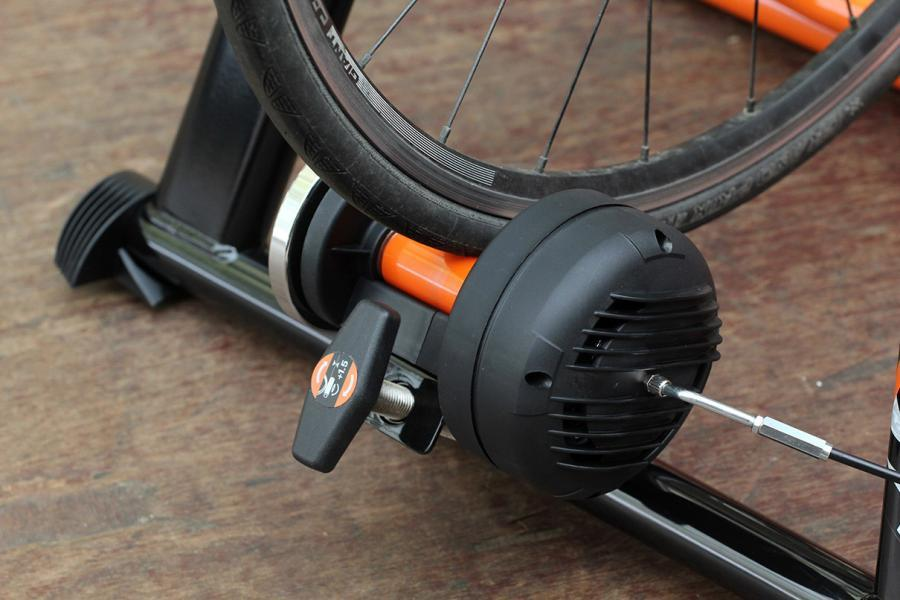 JetBlack Cycling Mag Pro Hydro Smart Release Magnetic Trainer - resistance unit 2