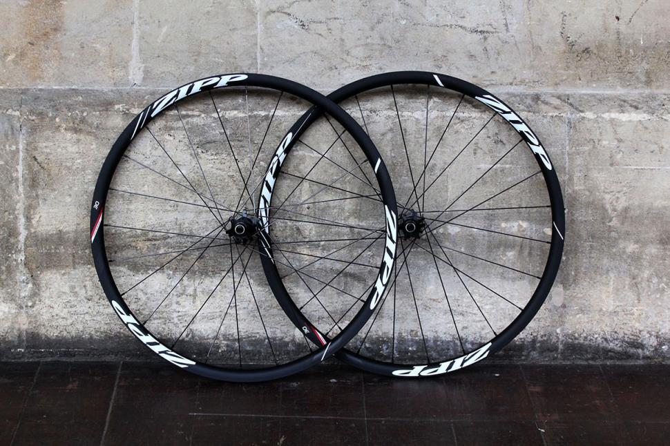 Zipp 30 Course Disc-brake Clincher wheels