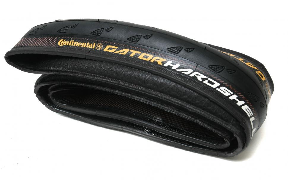 Review Continental Gator Hardshell 700x25