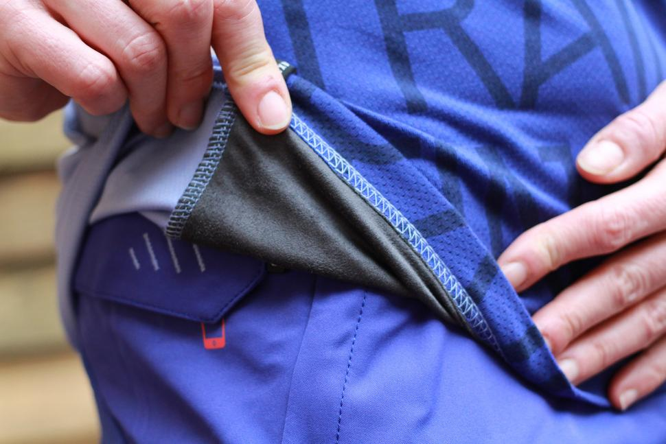 ION Helia 3-4 sleeve jersey - inside fabric.jpg