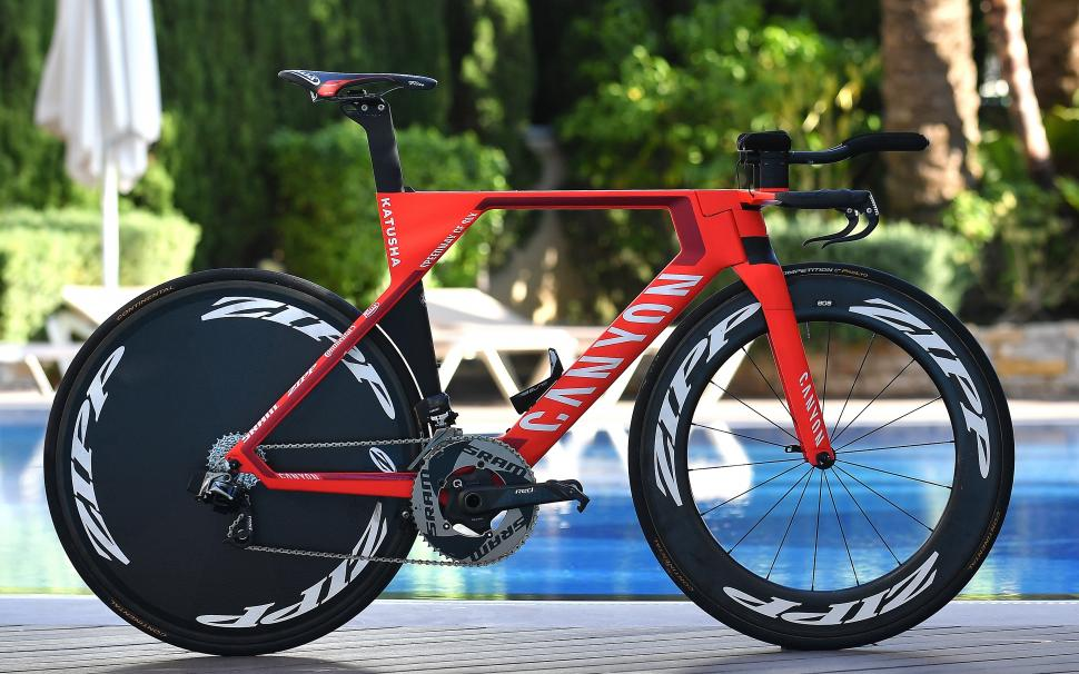 Worldtour 2017 Bikes Tony Martin S New Canyon Speedmax Cf Slx