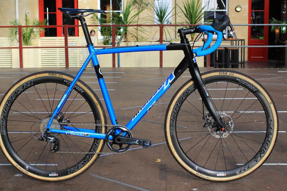 First Look Updated Kinesis Cxrace Evo Cyclocross Frame With Thru