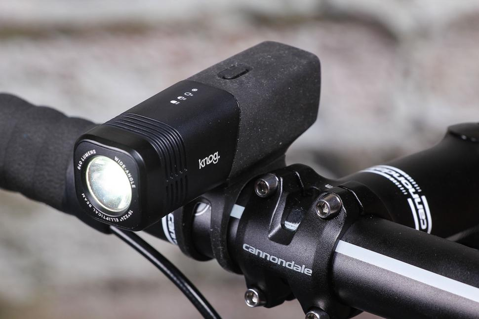 Knog Blinder Arc 640 - mounted.jpg