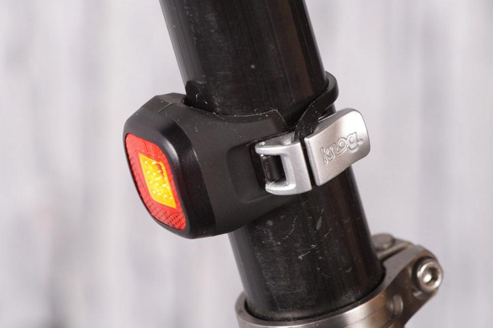 Knog Blinder Mini Chippy Twinpack - rear.jpg