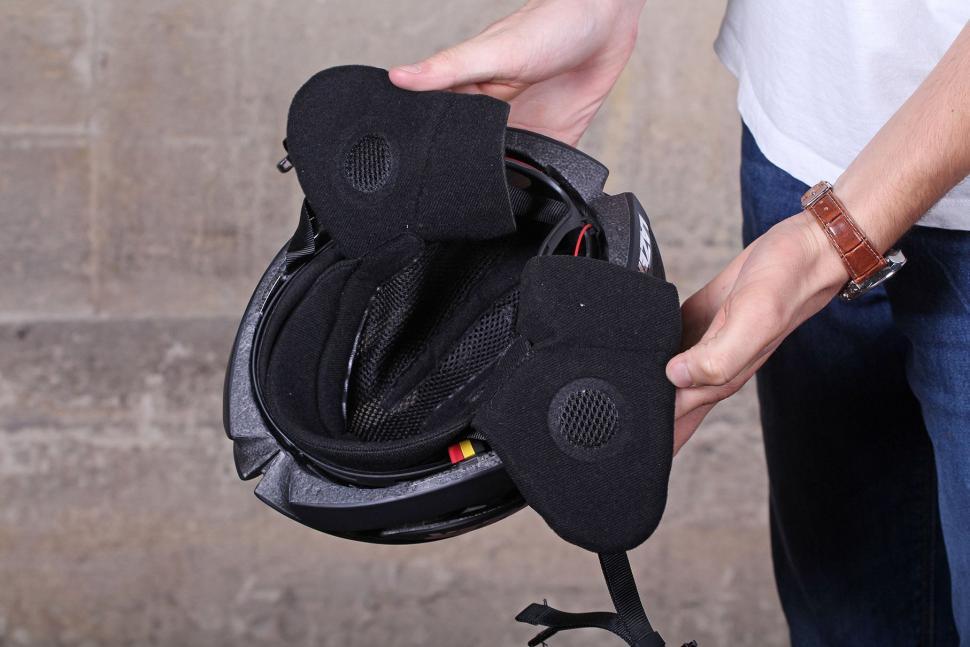 Lazer Genesis Winter cap - in helmet.jpg
