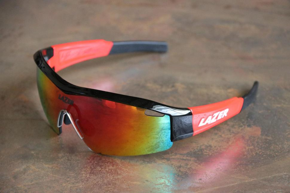 Lazer SS1 Gloss Black-Red.jpg