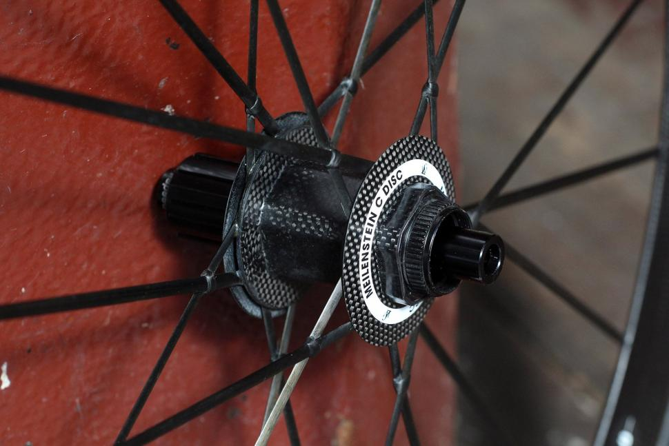 Lightweight Meilenstein Carbon Clincher Disc - rear hub 2.jpg