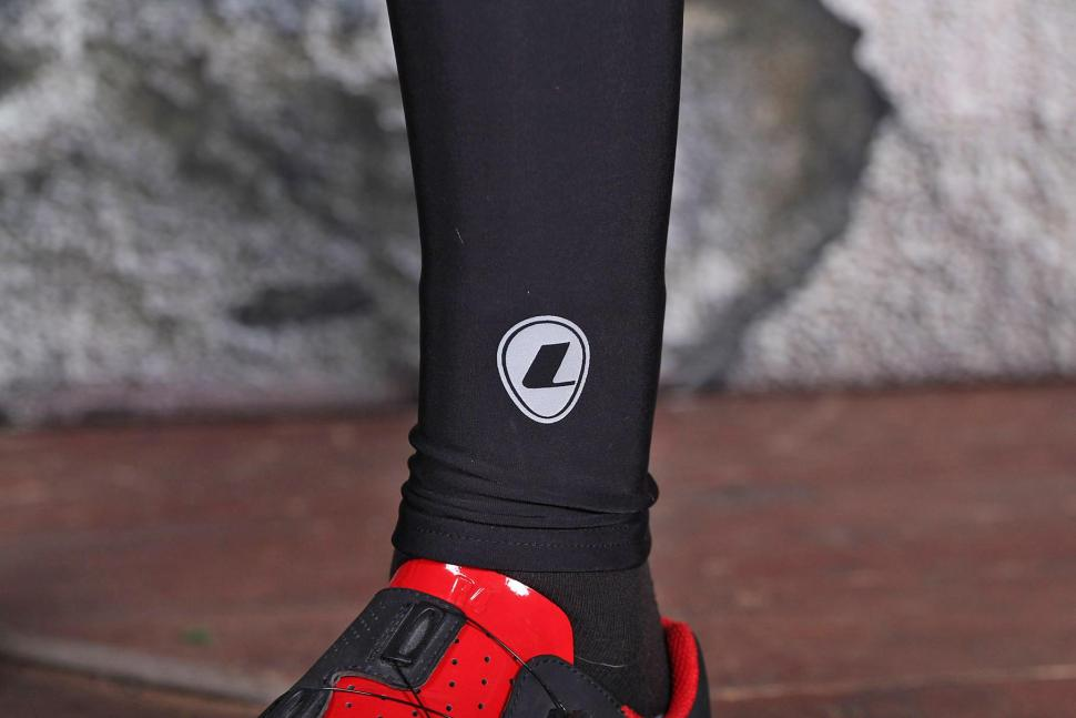 Lusso Max Repel Leg Warmers - ankle detail.jpg