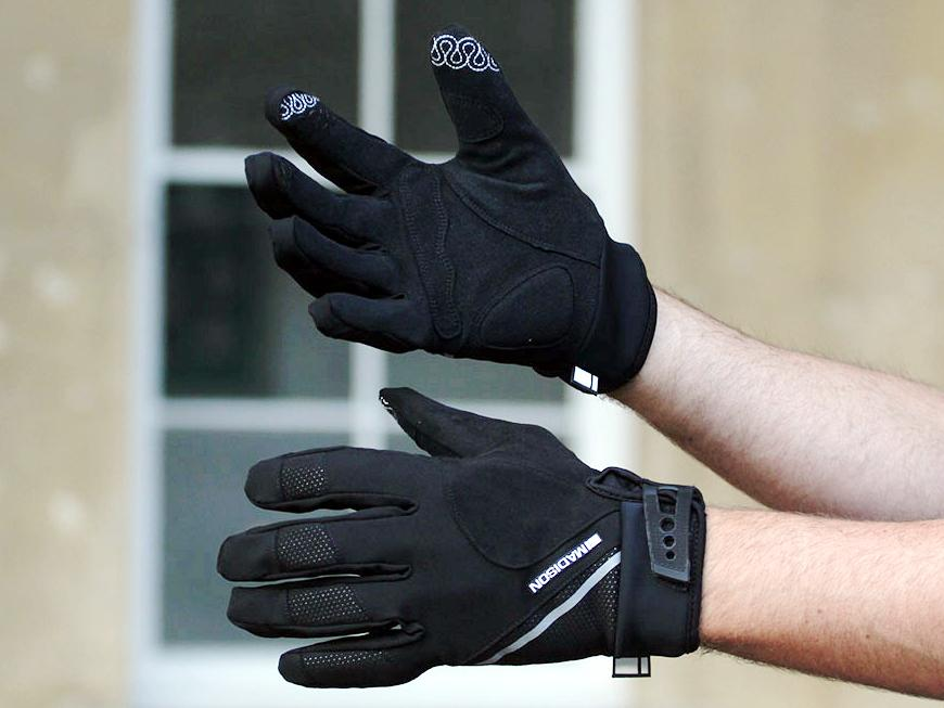 madison-avalanche-mens-gloves-crop.jpg