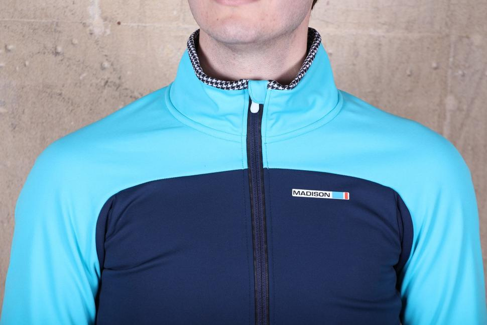 Madison RoadRace Apex Mens Softshell Jacket - collar.jpg