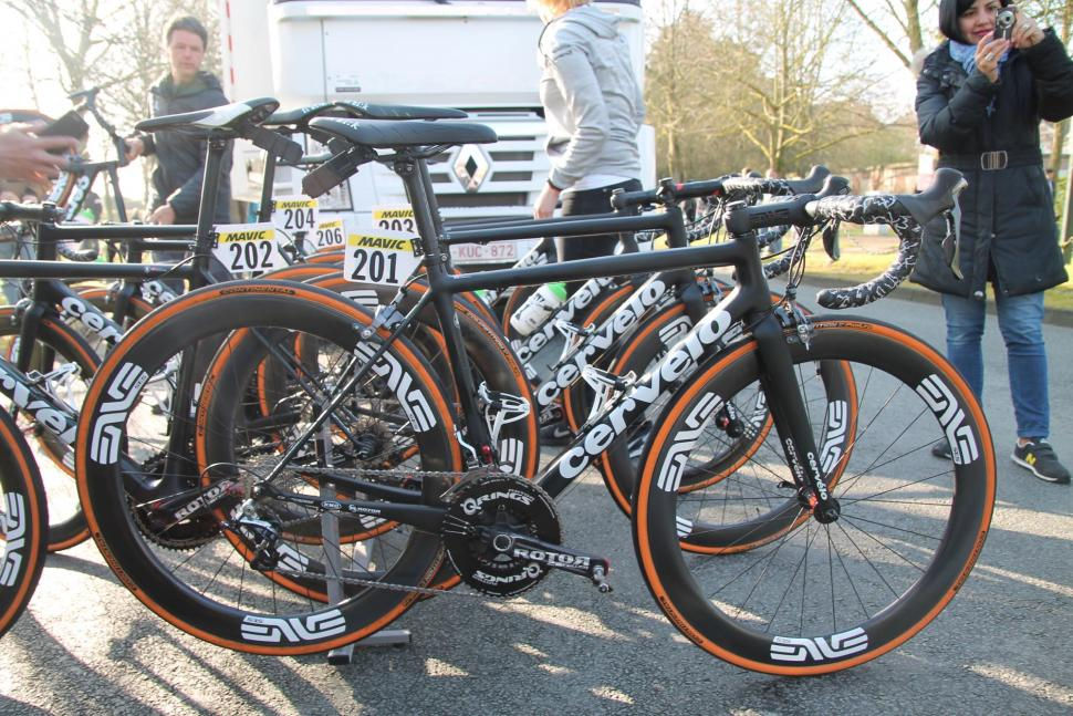 Mark Cavendish Cervelo R3 Mud - 1.jpg