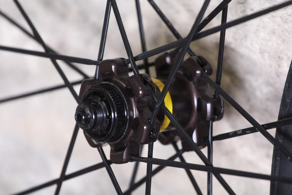 Mavic Ksyrium Pro Disc All Road wheelset - front hub.jpg