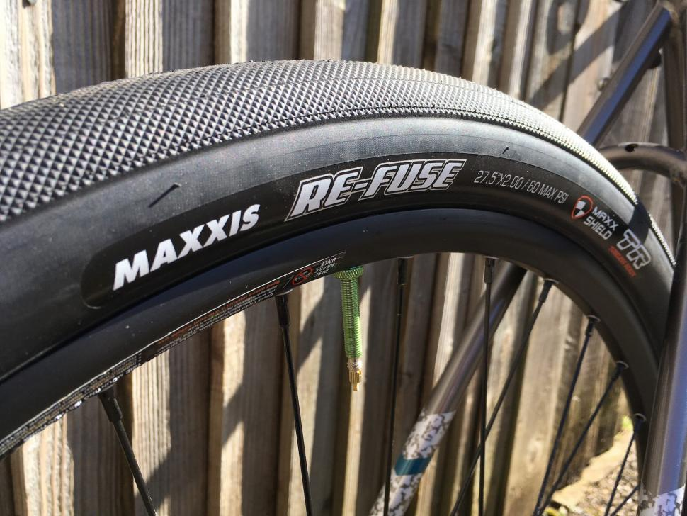 Review Maxxis Re Fuse 27 5 X 2 0 Gravel Tyre Road Cc
