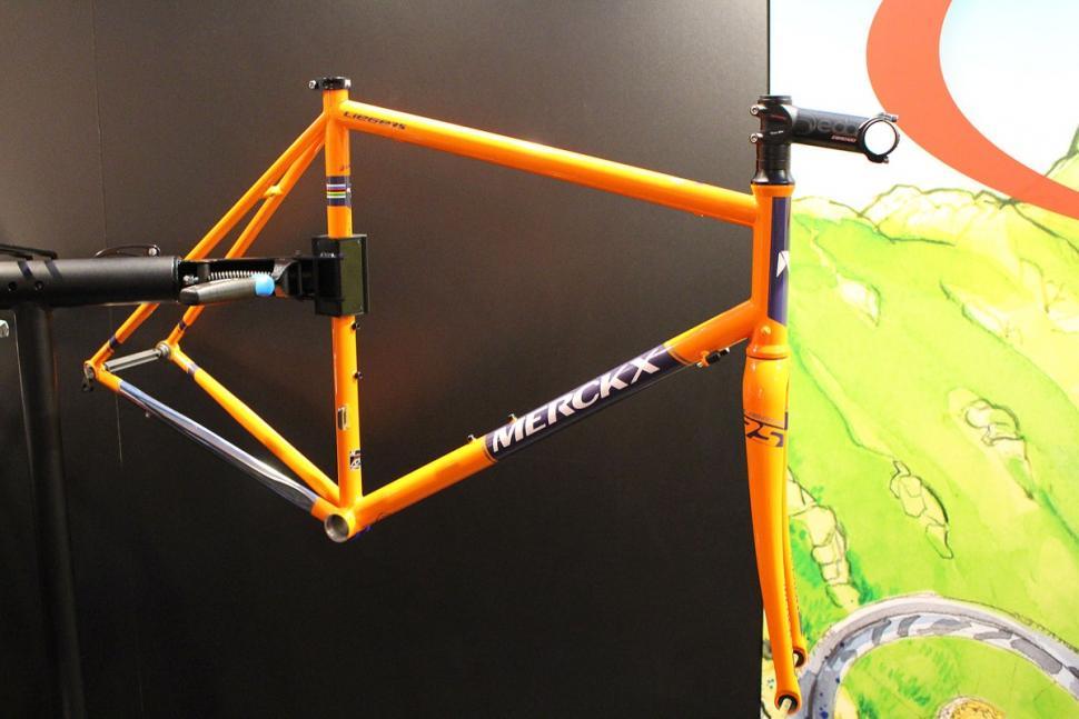 Merckx Liege75 frame (1).jpg