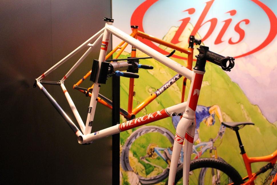 Merckx Roubaix70 frame (1).jpg