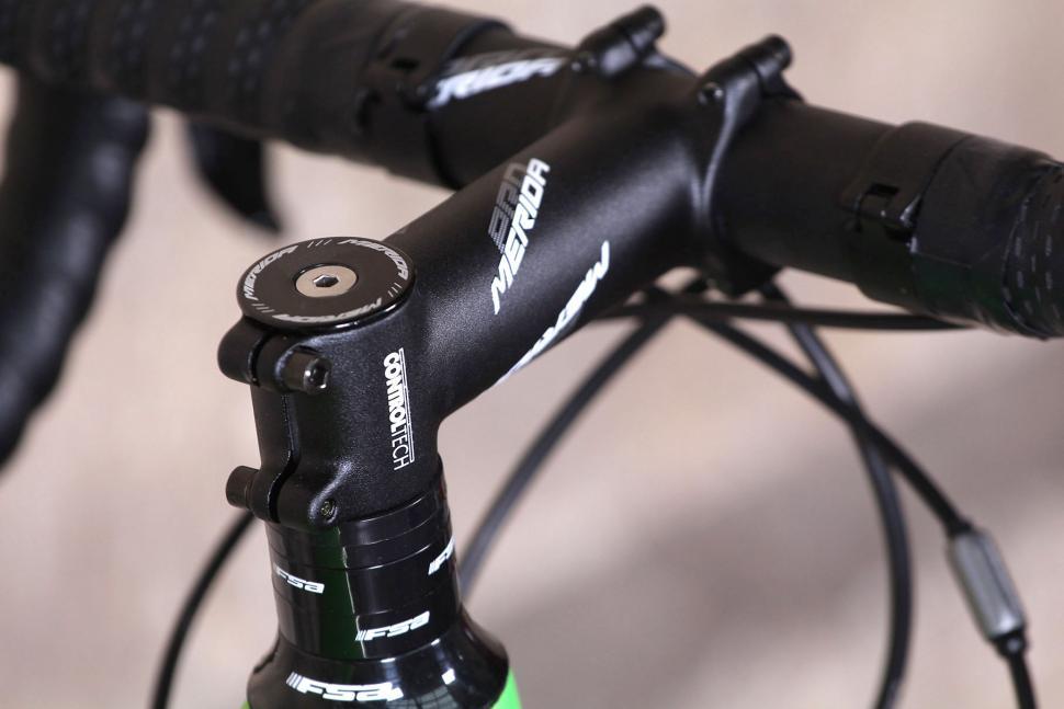 Merida Cyclocross 5000 - stem and spacers.jpg