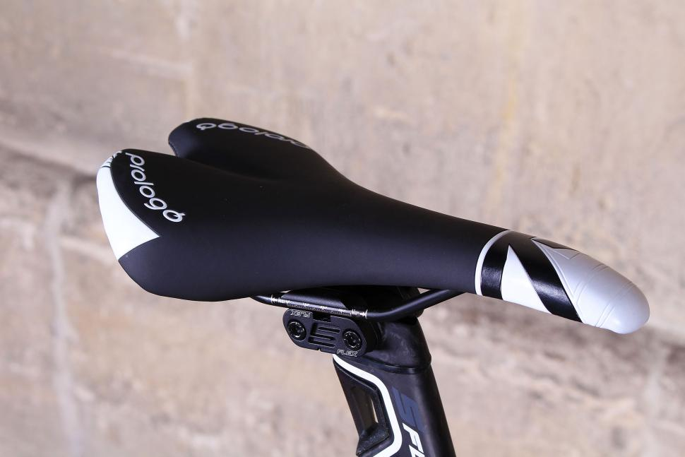 Merida Reacto 5000 - saddle.jpg