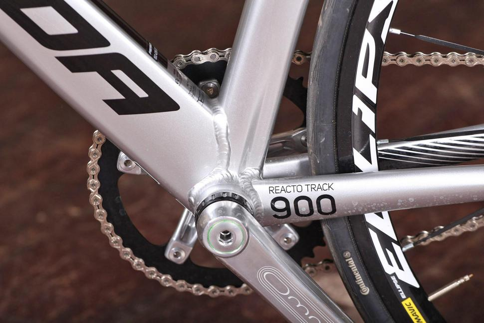 Merida Reacto Track 900 - bottom bracket.jpg