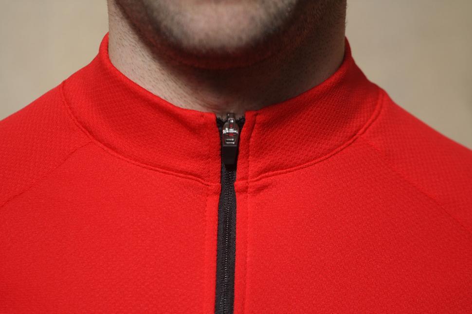 Merlin Core Long Sleeved Cycling Jersey - collar.jpg