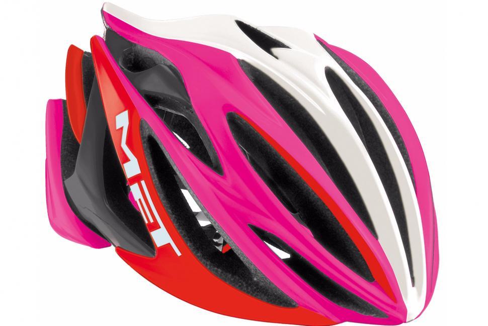 MET Stradavarius helmet.png