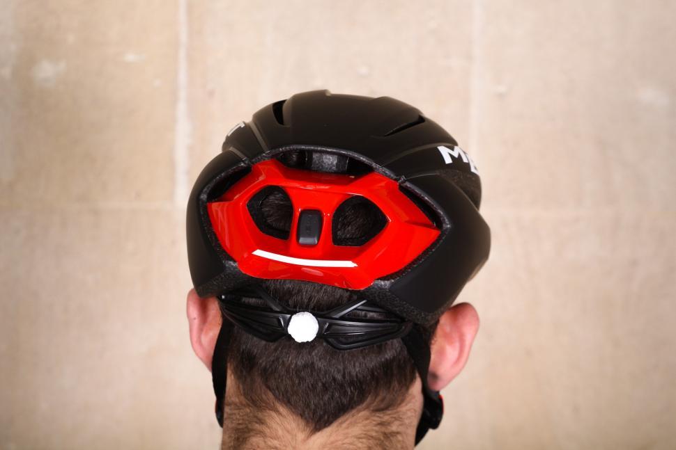 Met Strale Helmet - back.jpg