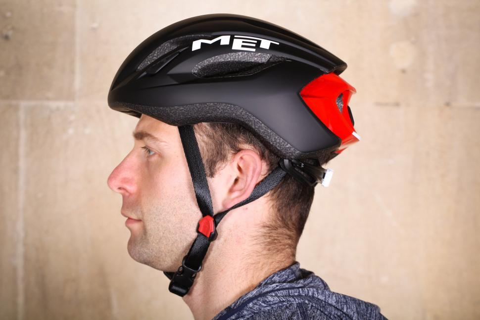 16 Of The Best High Performance Helmets That Combine Light