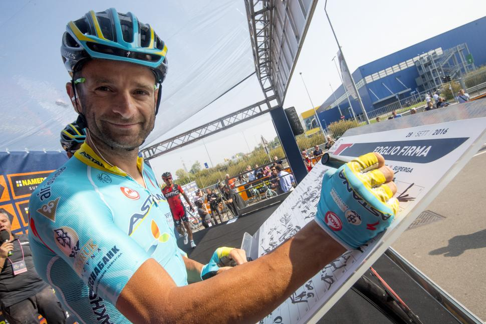Michele Scarponi (picture - ANSA-PERI).jpg