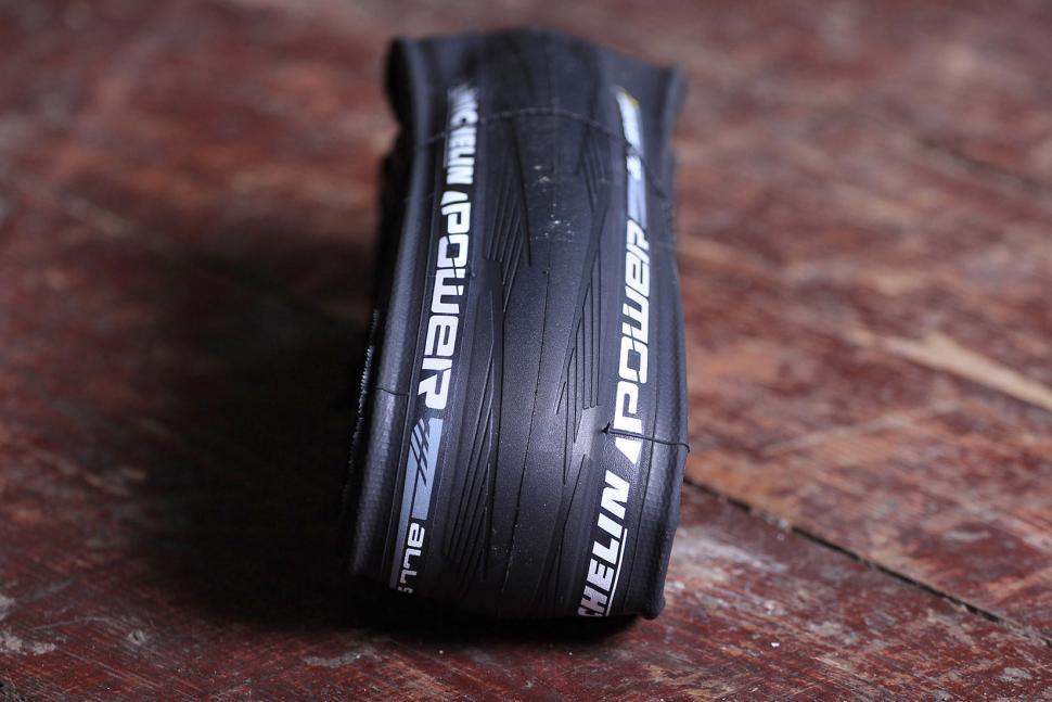Neumáticos Michelin Power All Season Road Tire