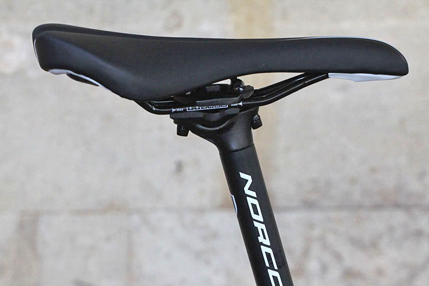 micro-adjusting seatpost.jpg