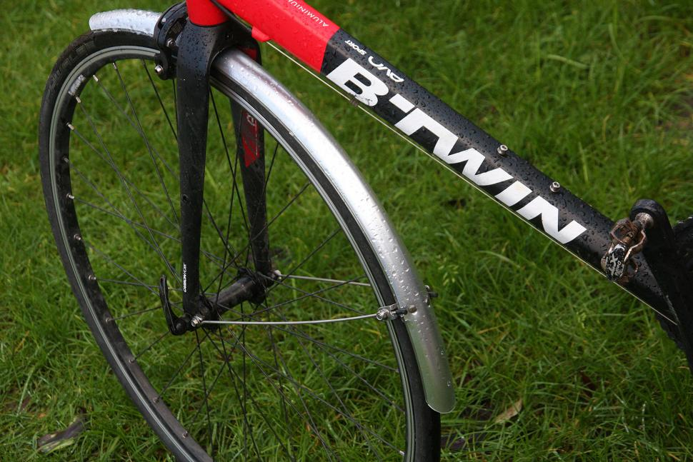 MPart 700 x 35mm Commute mudguards - front.jpg