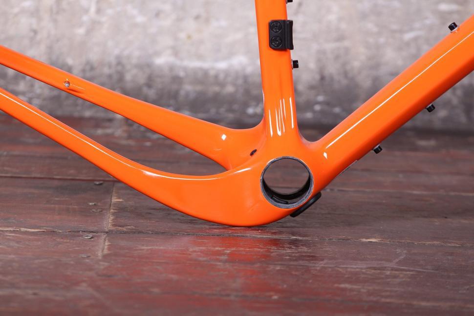 Open UP frame and fork - bottom bracket.jpg