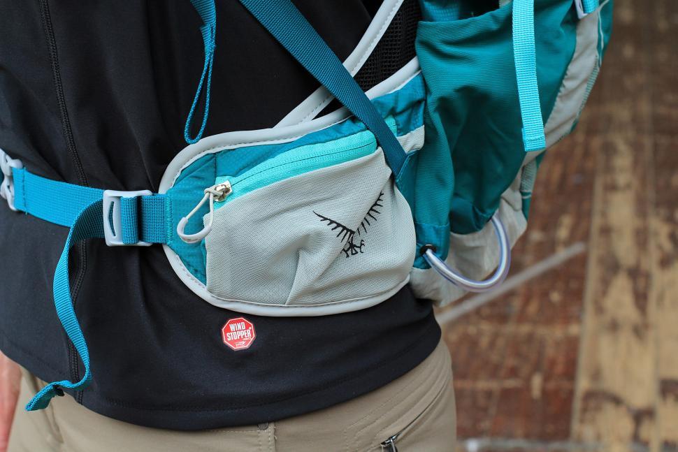 Osprey Tempest 20 Womens rucksack - hip pocket.jpg
