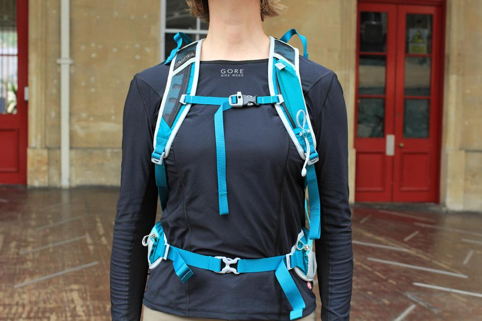 Osprey Tempest 20 Womens rucksack - straps.jpg