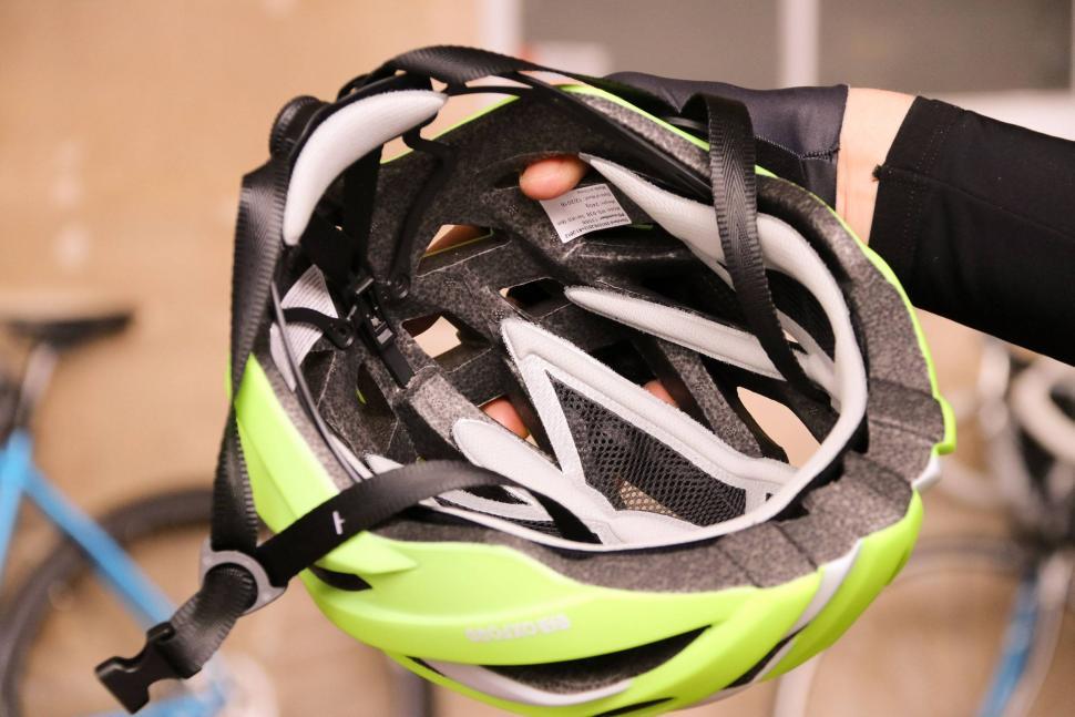 Oxford Raven helmet - inside.jpg