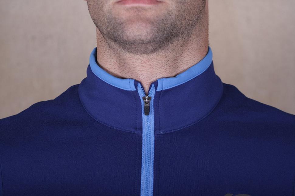 Pearl Izumi Elite Escape Thermal LS Jersey - collar.jpg