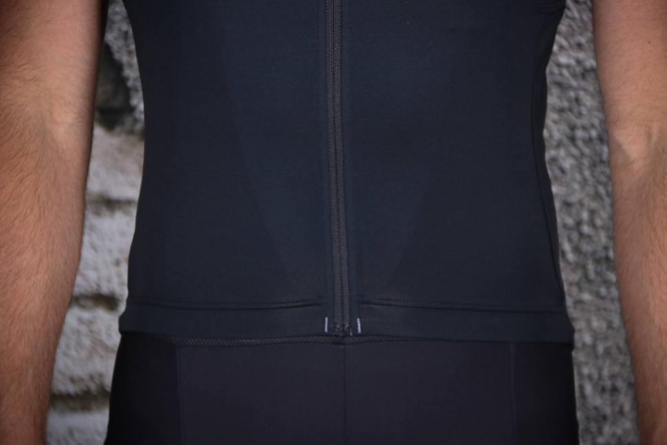 Pearl Izumi Pro Escape short sleeve Jersey - hem.jpg