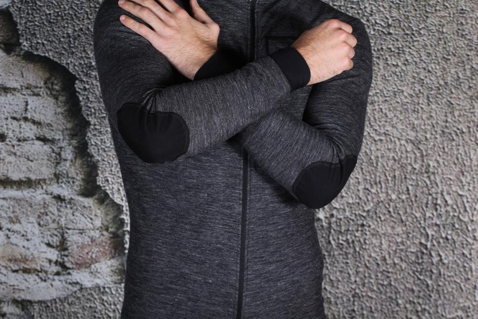Pedaled Kaido Longsleeve Jersey - elbow details.jpg