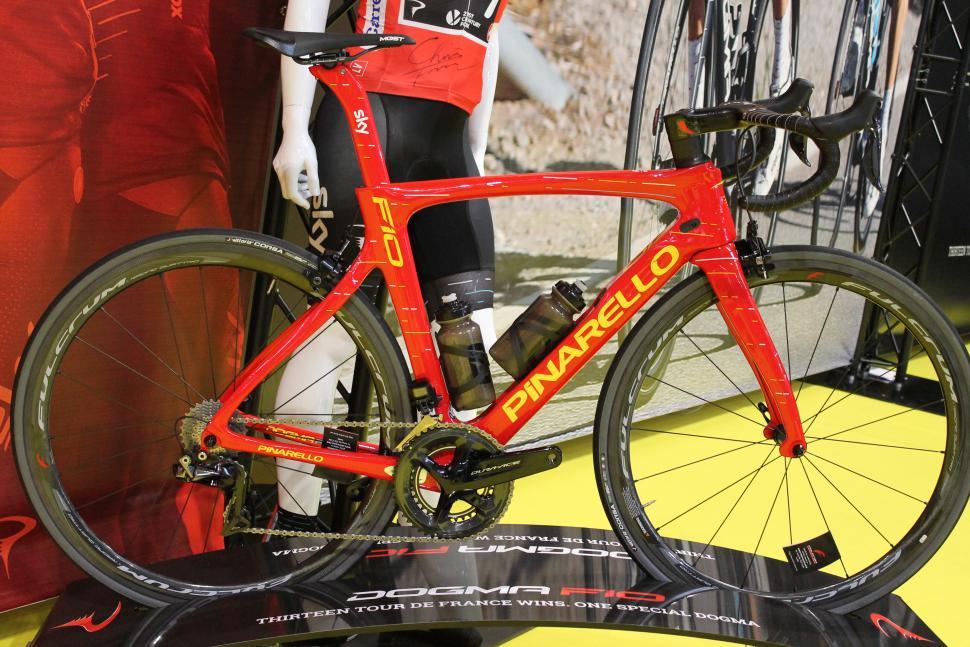 Pinarello Dogma F10 Vuelta red jersey edition.JPG