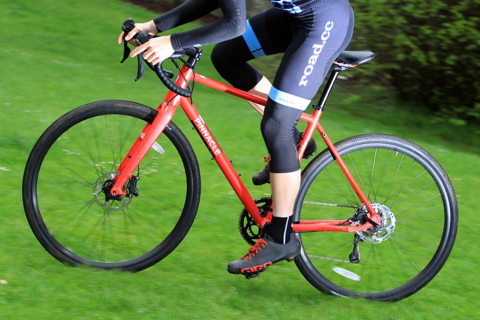 Pinnacle Arkose 4 - riding 2.jpg